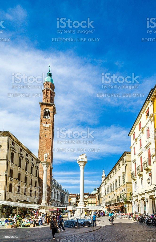 people att Piazza dei Signori in Vicenca stock photo