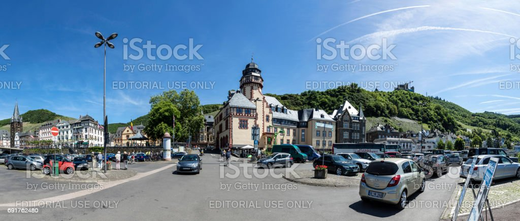 people park at the parket place with view to old historic town of Bernkastel-Kues stock photo