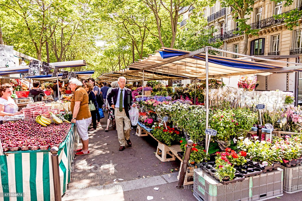 people visit farmers market in Chaillot, Paris stock photo