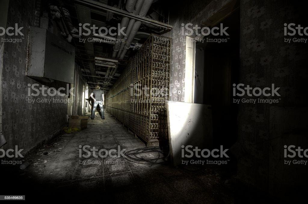 Person im Keller stock photo