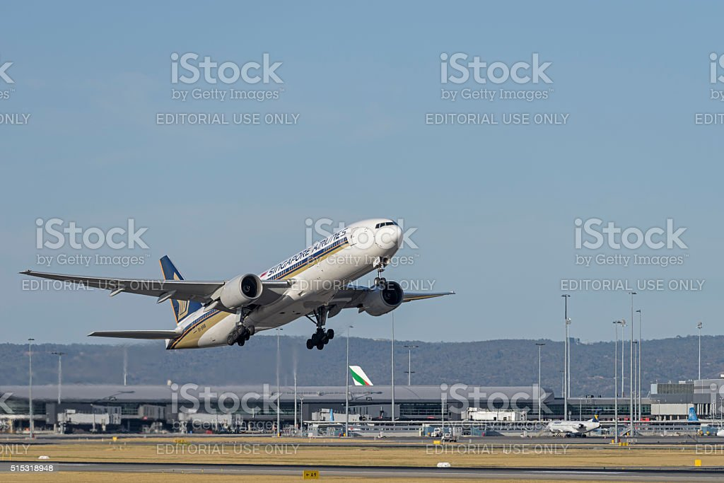 Perth Airport take off Boeing 777-212 9V-SRM stock photo