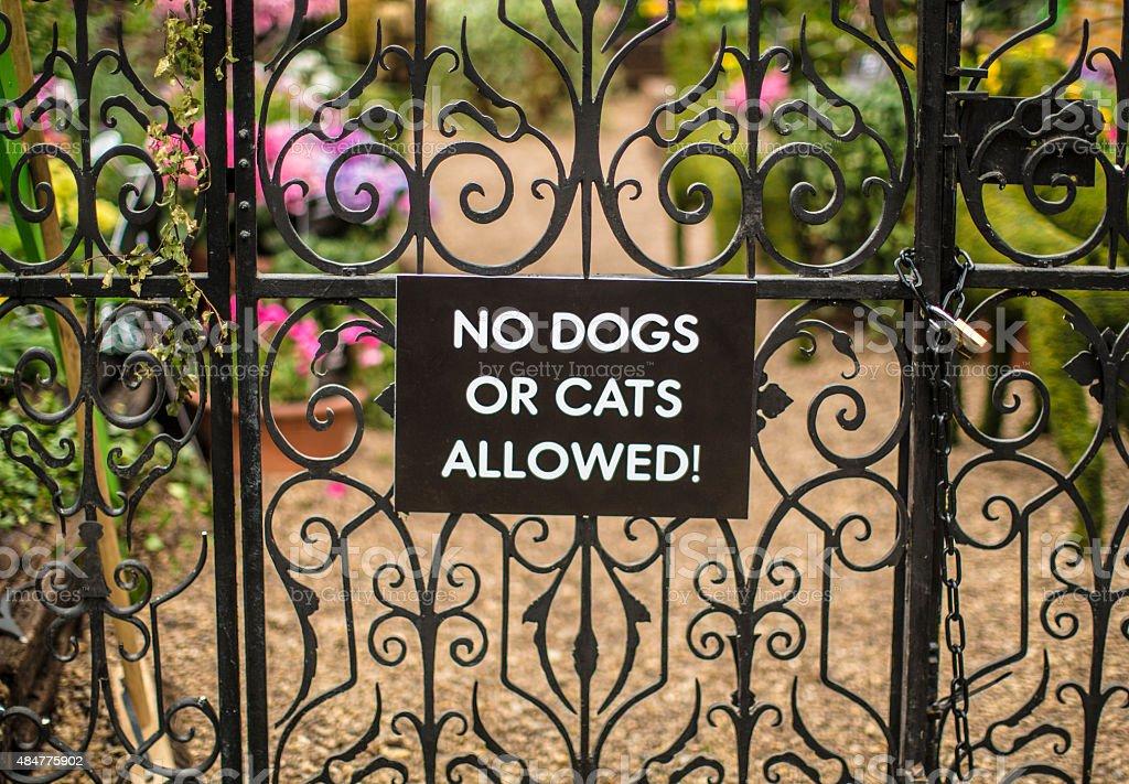 pet warning sign stock photo