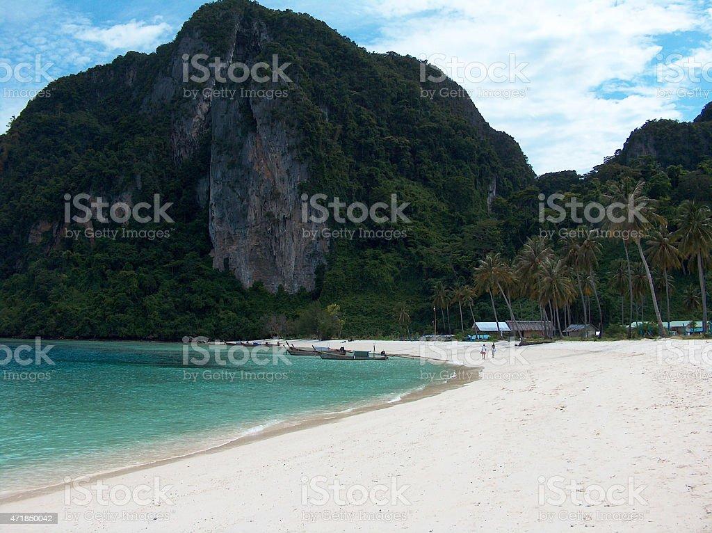 Isla de phi phi playa en Tailandia foto de stock libre de derechos
