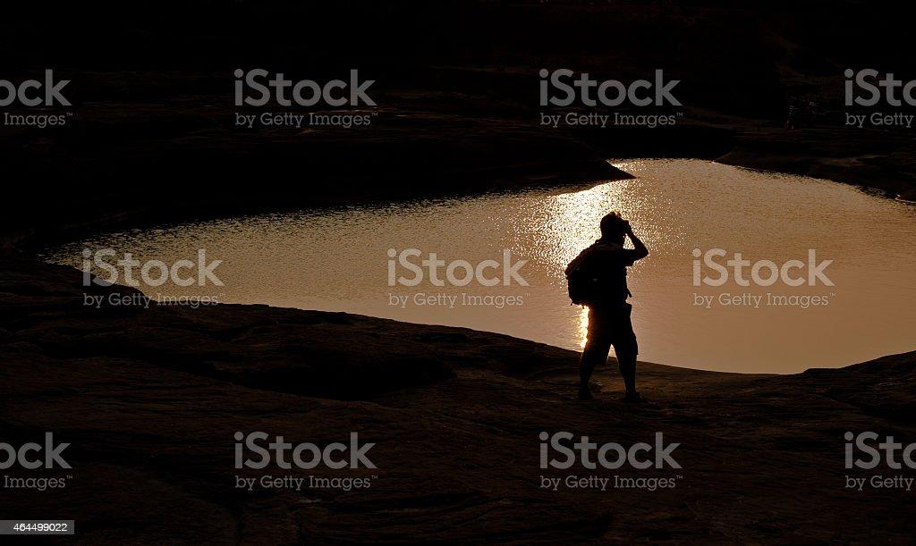 Fotograf sylwetka Zachód słońca na Sam Phan Bok Grand Canyon Tajlandii zbiór zdjęć royalty-free