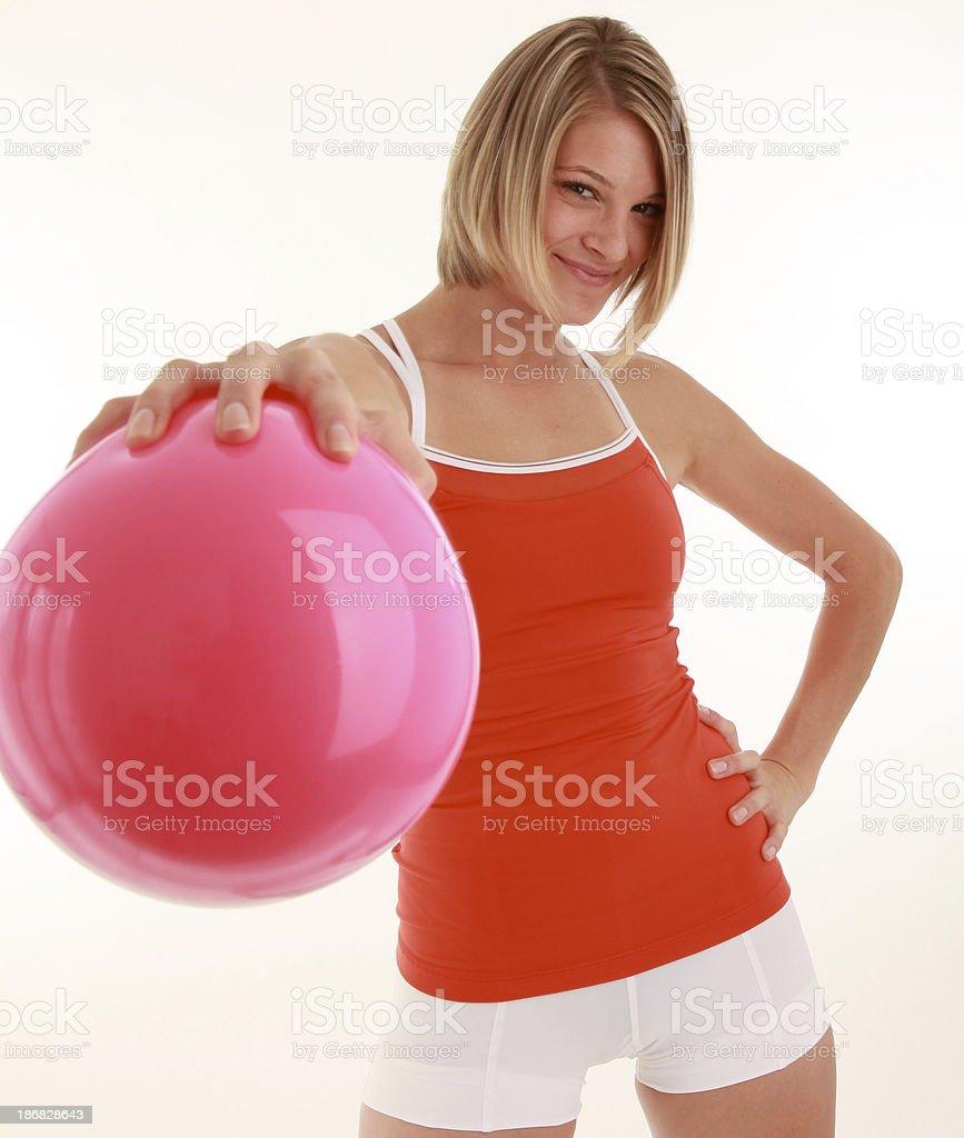 Cuerpo de mujer con rosa de bola forma foto de stock libre de derechos