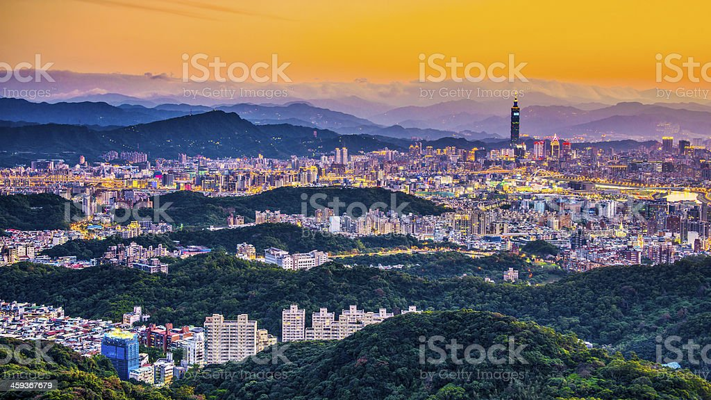 A picture from the hills of the Taipei skyline at dawn stock photo