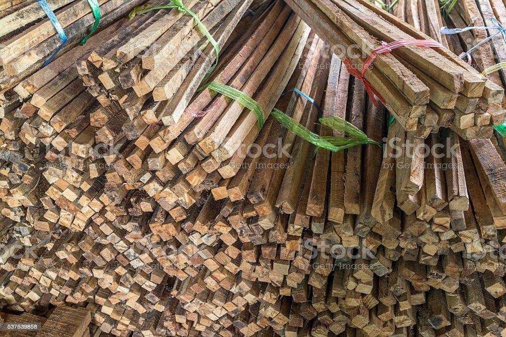 Pile de bois brut sawn photo libre de droits