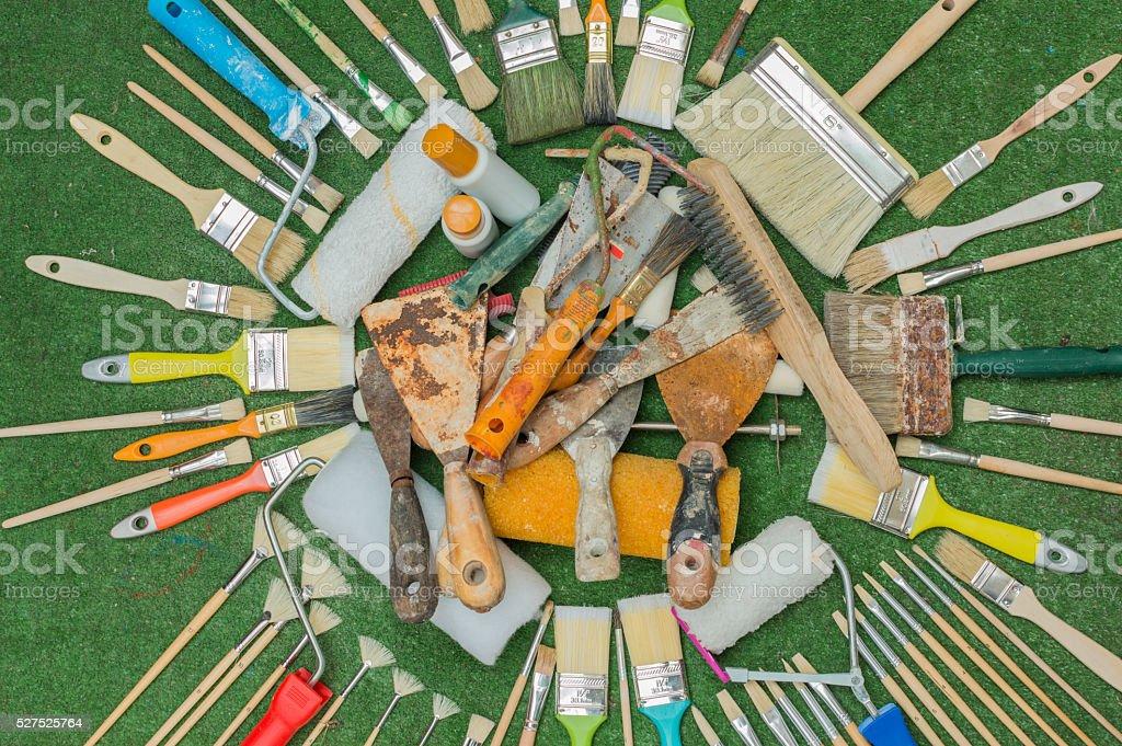 Pinceles rodillos y espatulas de pintor photo libre de droits