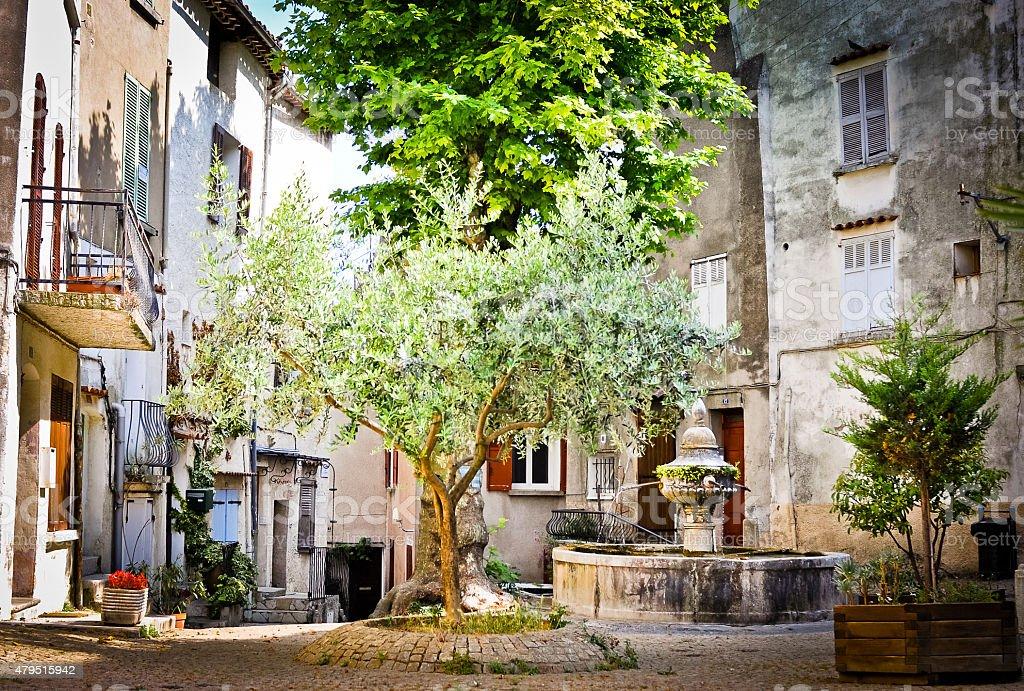 Place de la Reinesse et sa fontaine ? Flayosc -Provence stock photo