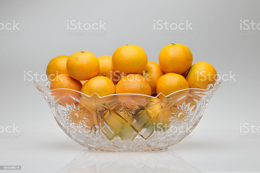 piatto con mandarini stock photo