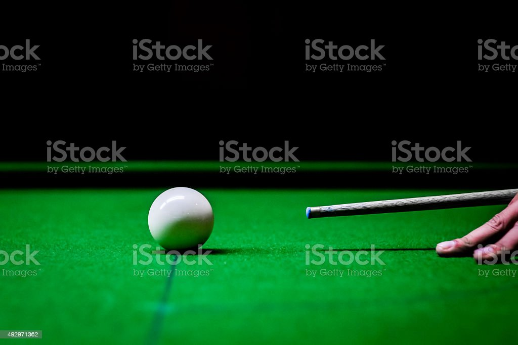 play snooker stock photo
