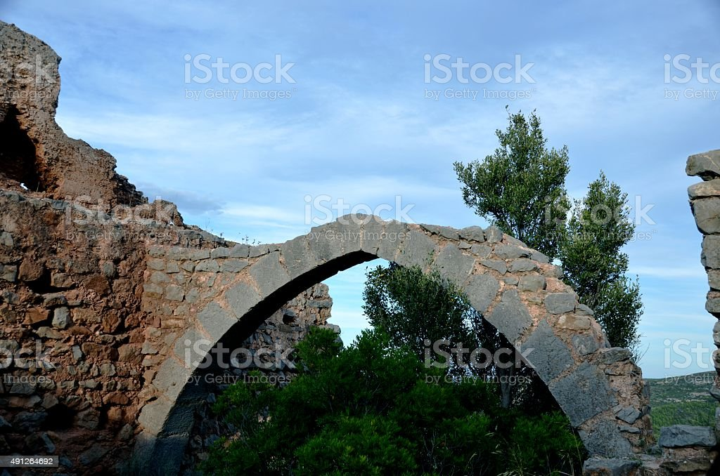 Pointed Arch in Miravet Castle, Cabanes, Castellon stock photo