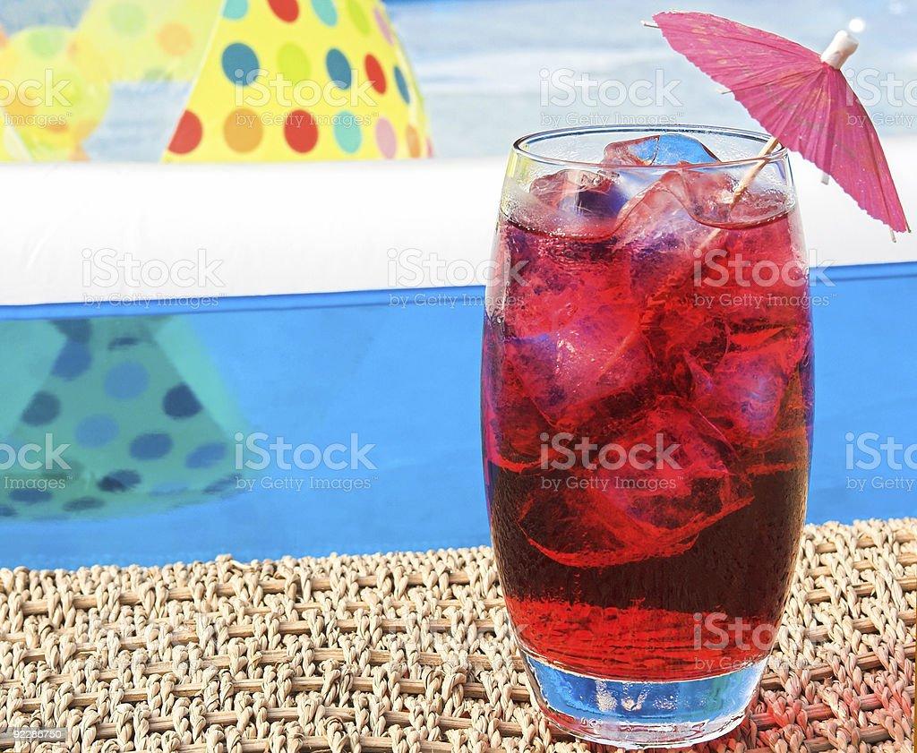 Napoje przy basenie zbiór zdjęć royalty-free