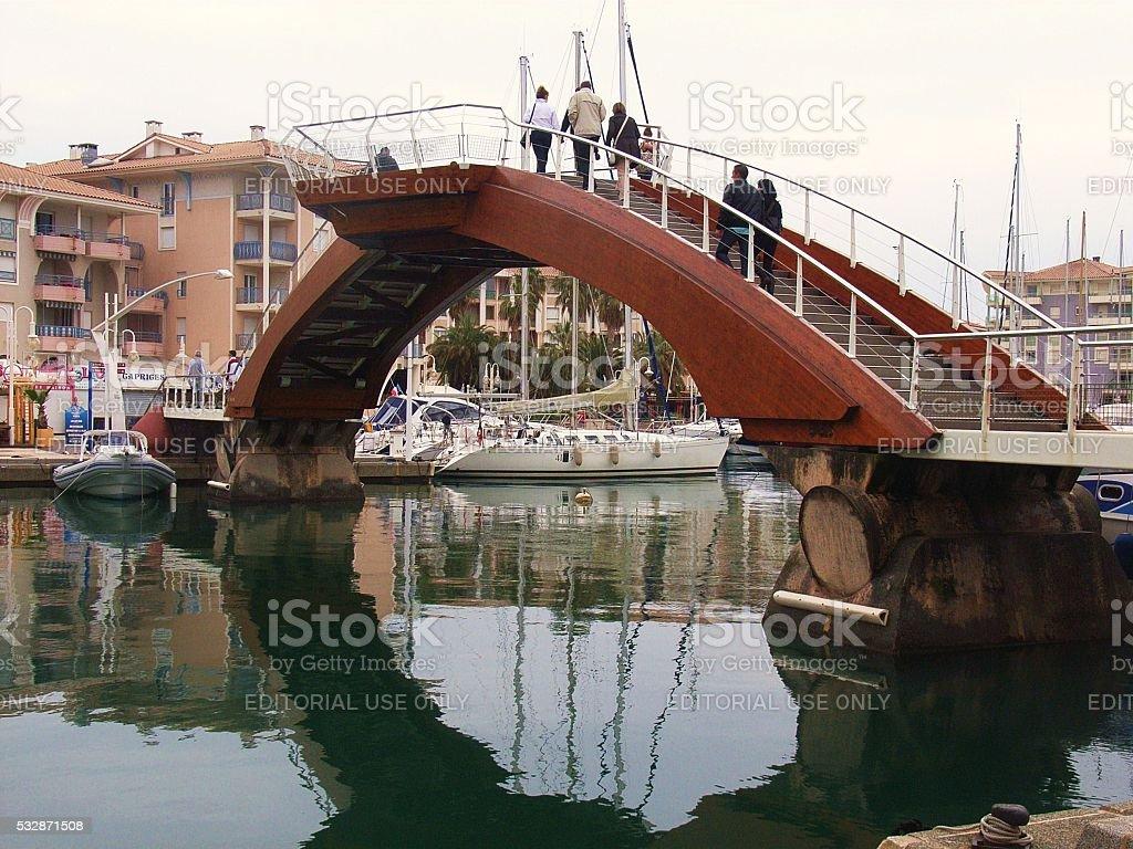 Port Frejus - Ponte nel porto stock photo
