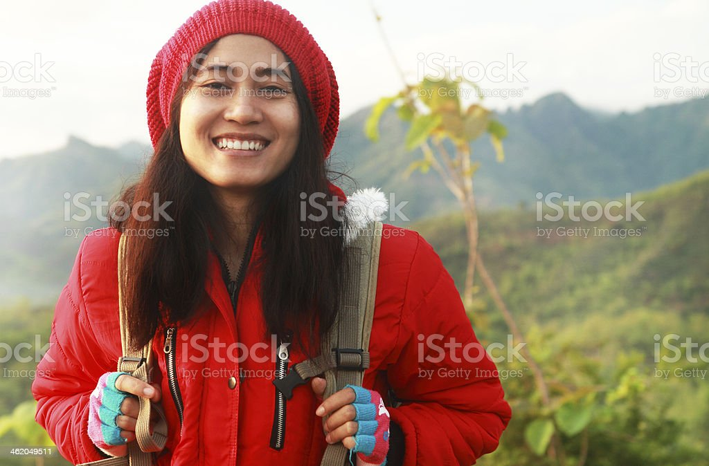 Porträt asiatische Junge Frau Wandern Lizenzfreies stock-foto