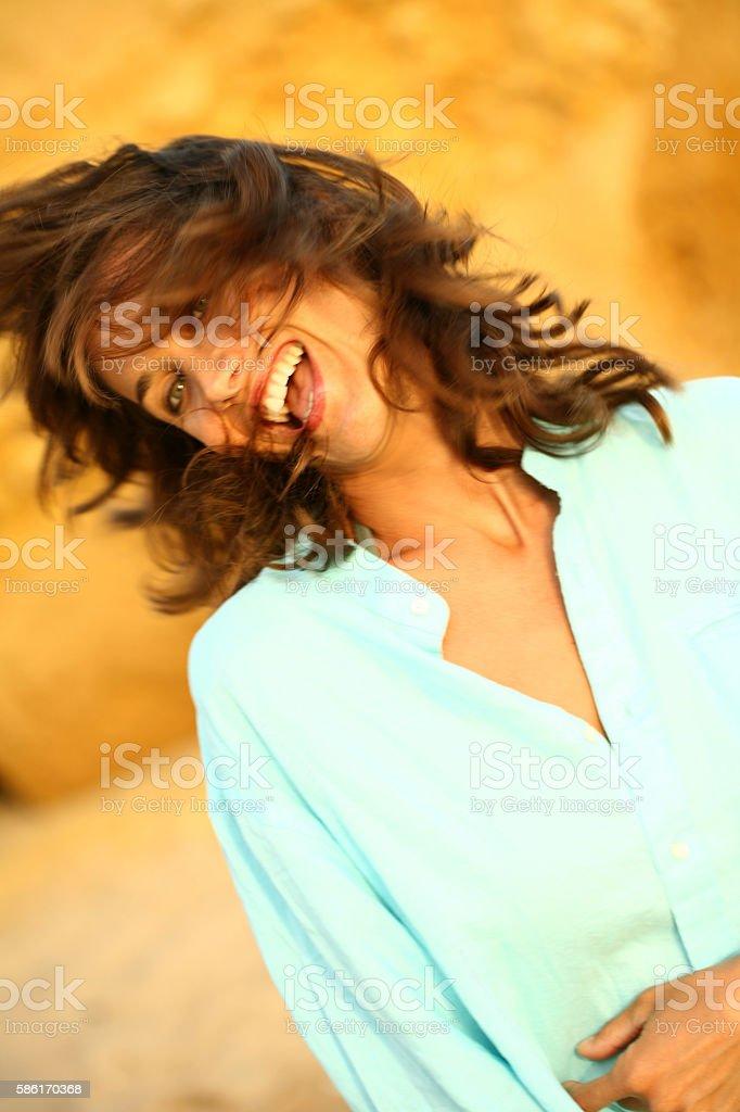 portrait de femme riant stock photo