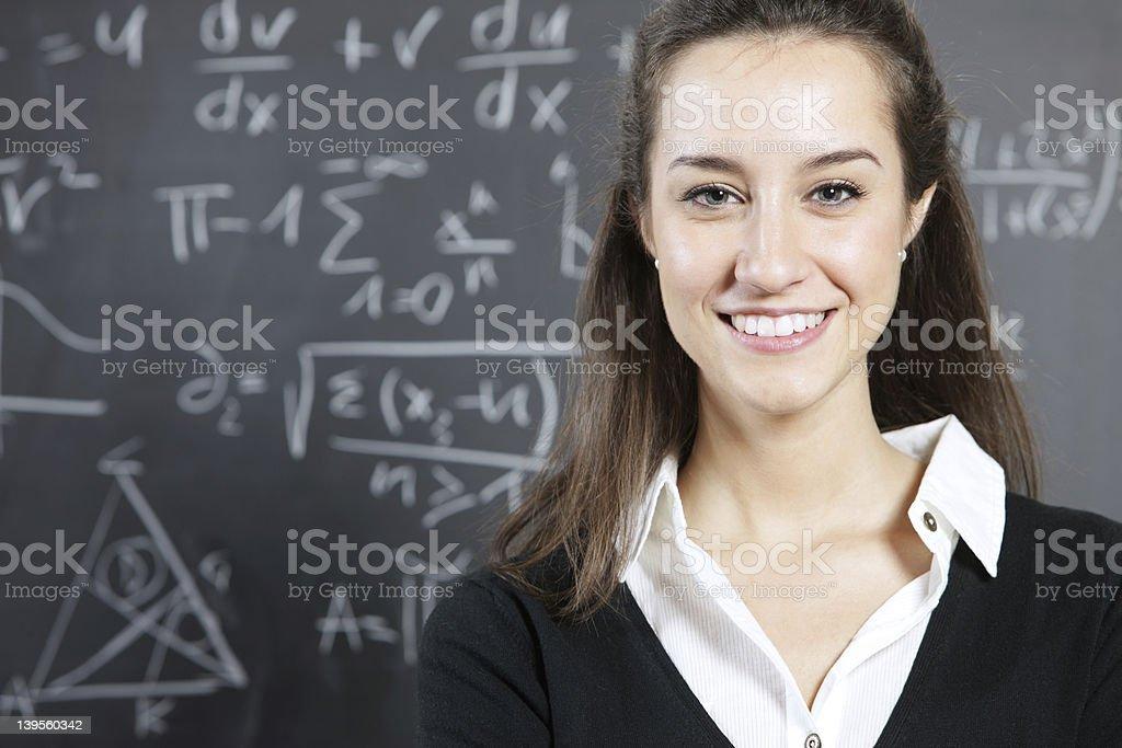 Portrait d'un jeune étudiant souriant photo libre de droits