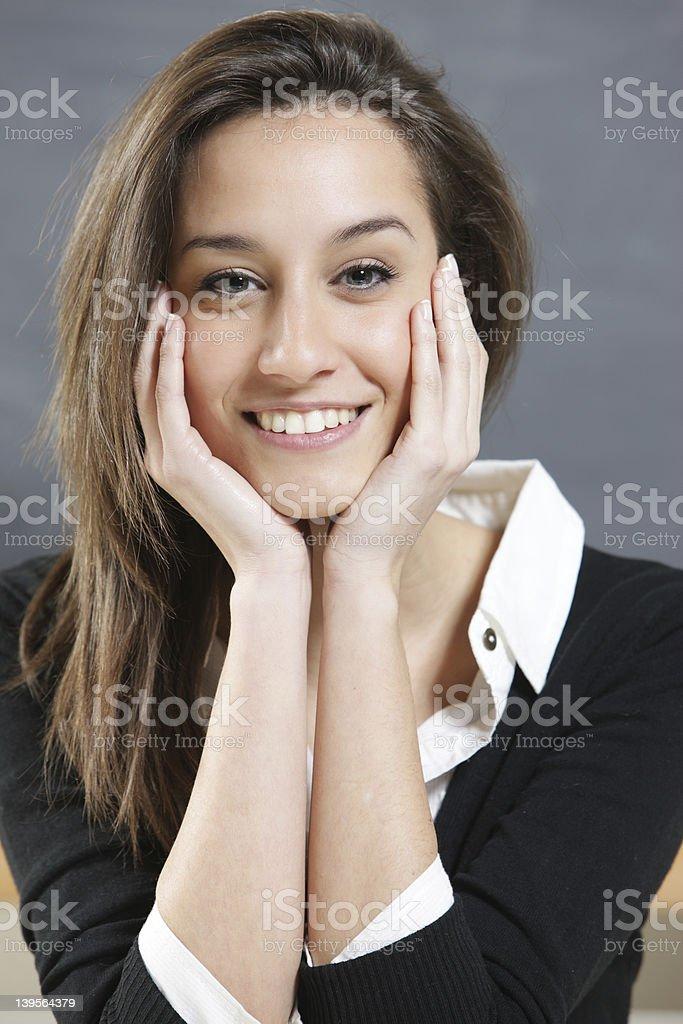 portrait d'une jeune femme photo libre de droits