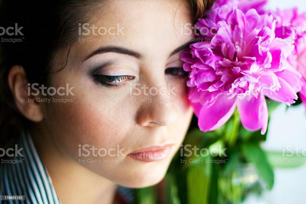 Retrato de mujer bella foto de stock libre de derechos