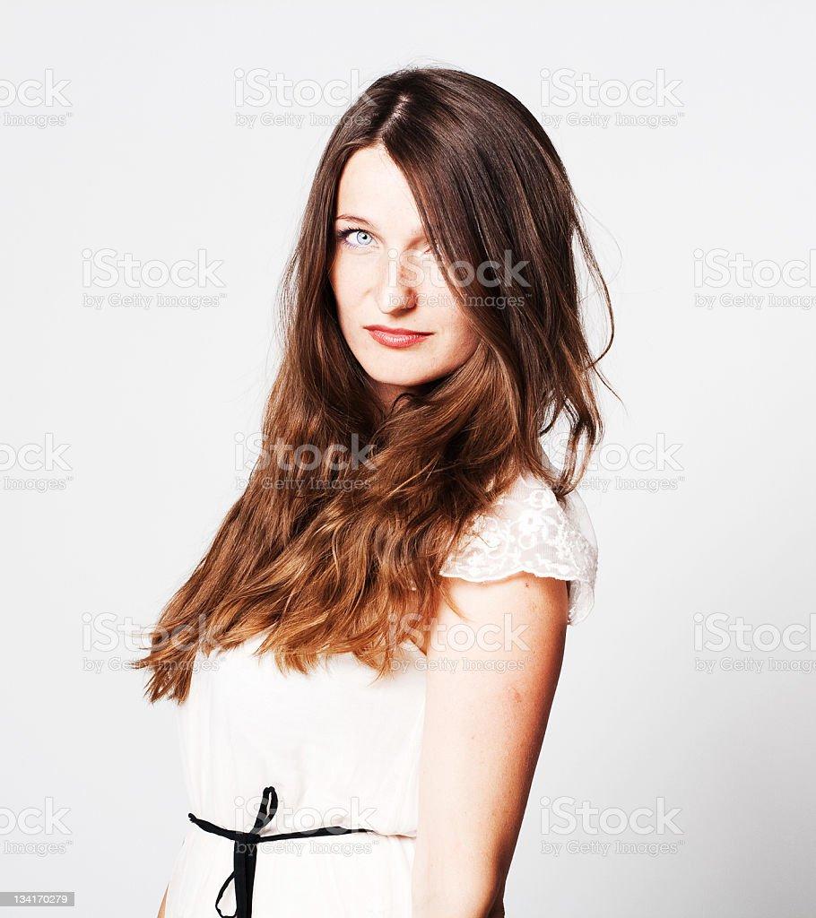 Retrato de bella mujer joven foto de stock libre de derechos