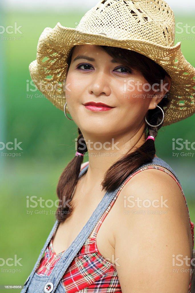 Porträt eines Landes Mädchen bei Sonnenaufgang Lizenzfreies stock-foto