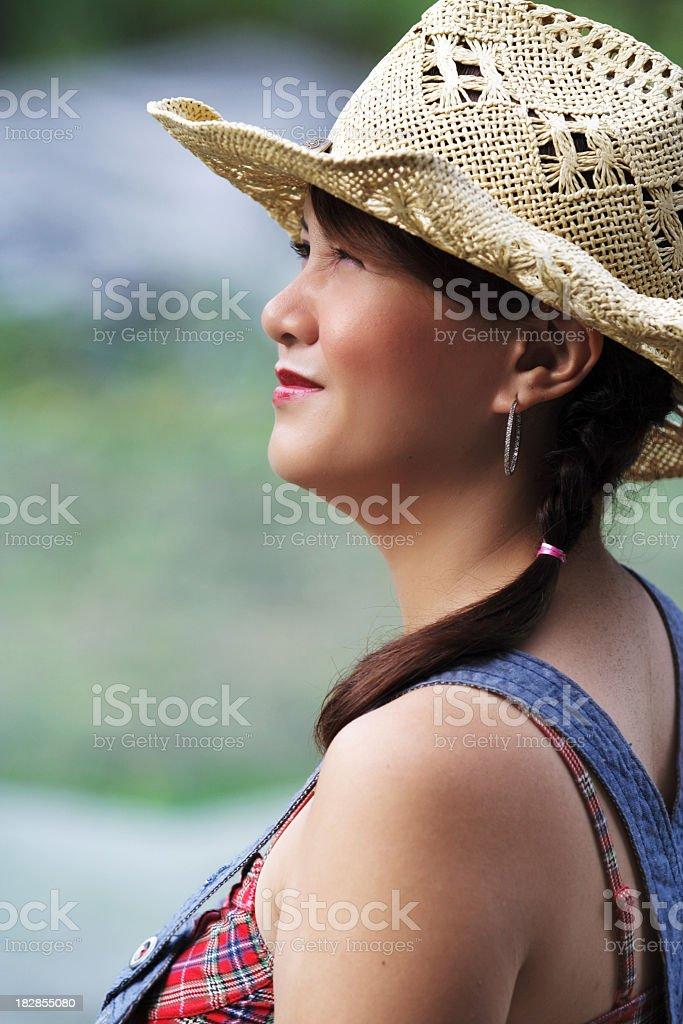 Porträt eines Landes Mädchen Blick in die Sonne Lizenzfreies stock-foto