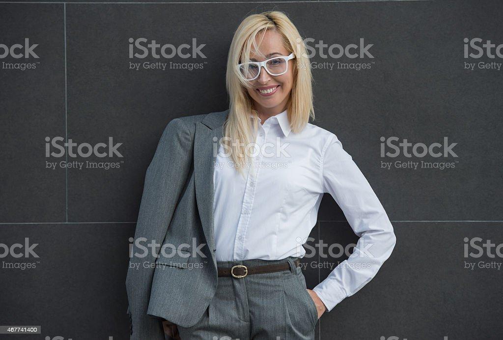 porno-kartinki-zrelih-blondinok