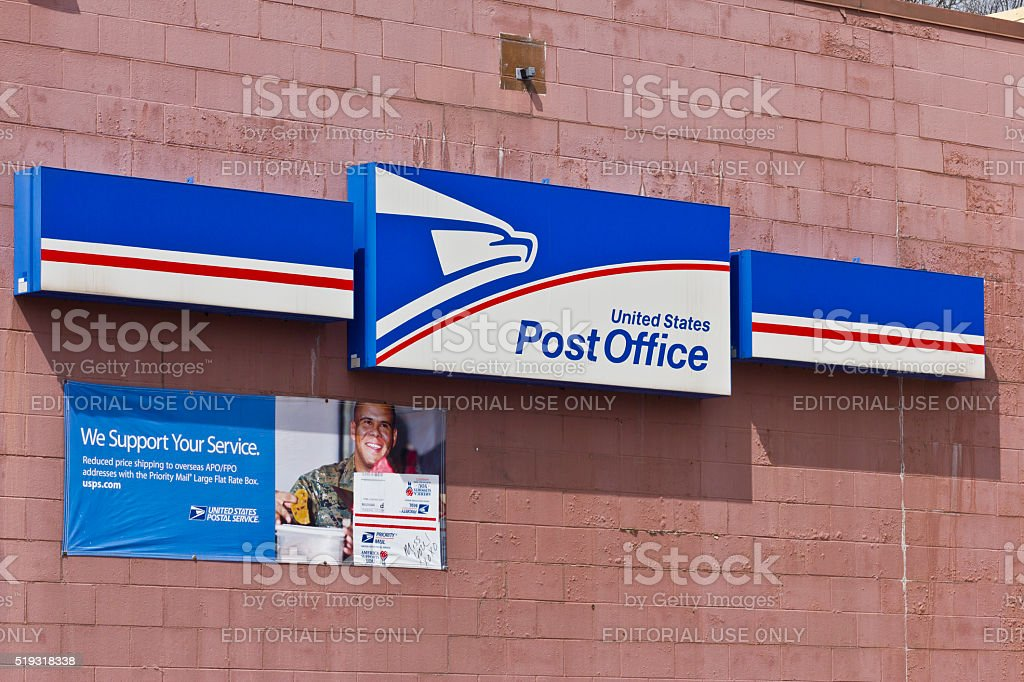 Indianapolis - April 2016: USPS Post Office Location I stock photo