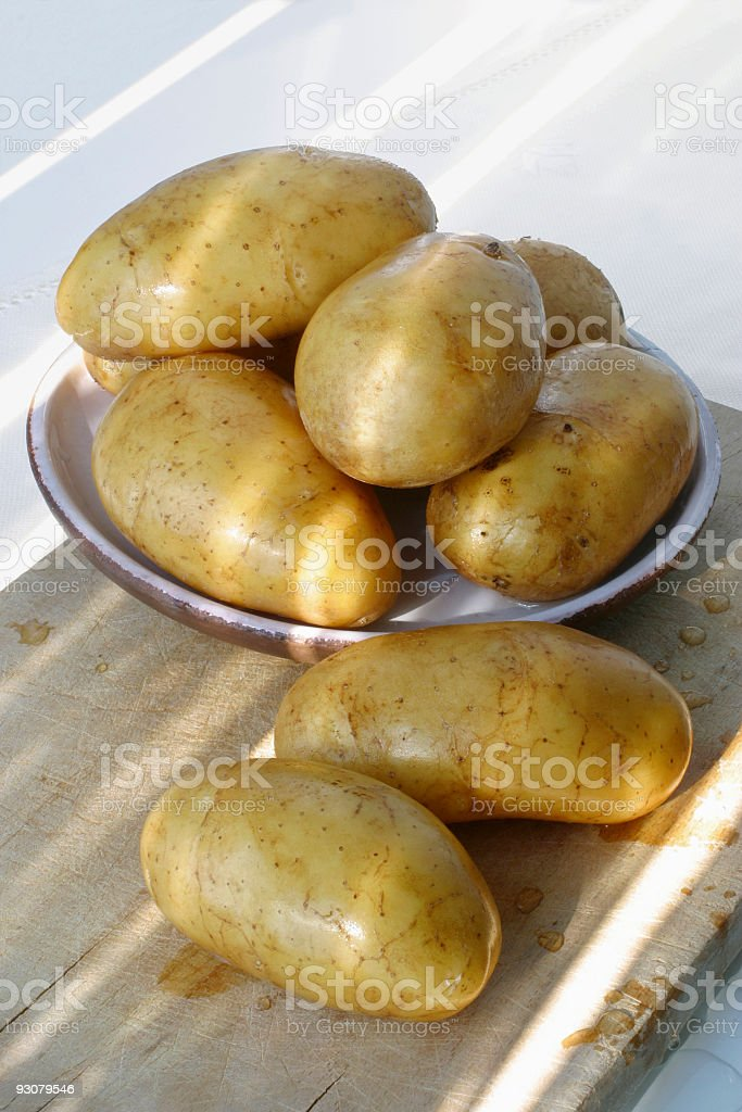 patate in luce naturale stock photo