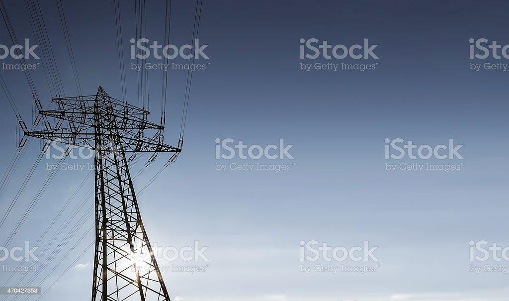 Linie energetyczne i Słup wysokiego napięcia zbiór zdjęć royalty-free