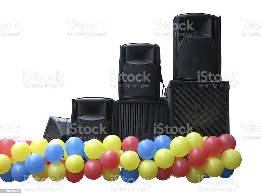 Poderoso concerto áudio oradores e balões no palco isolado foto de stock royalty-free
