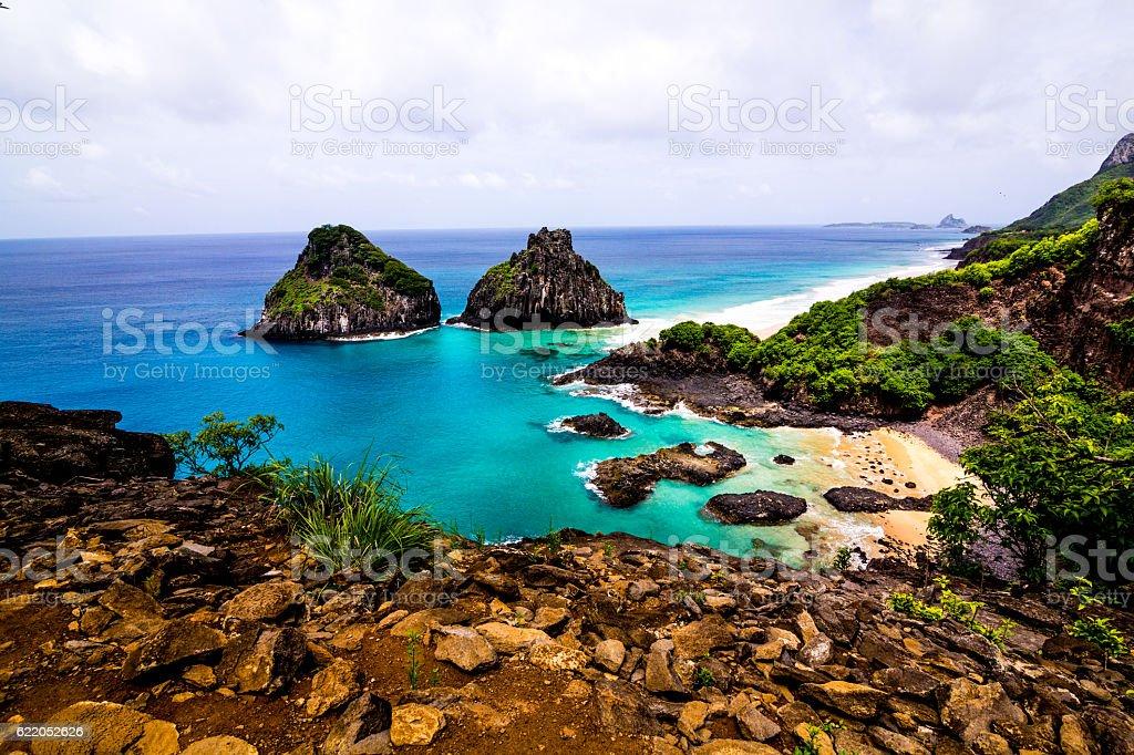 Praia Baía dos Porcos em Fernando de Noronha stock photo