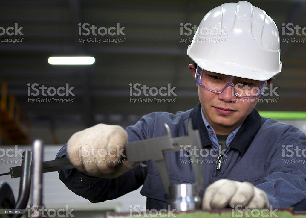 Präzision Werkzeuge zur Messung in die Mechanik plant Lizenzfreies stock-foto