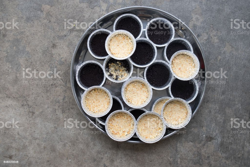 Prepare cooking banoffee pie in a cup stock photo