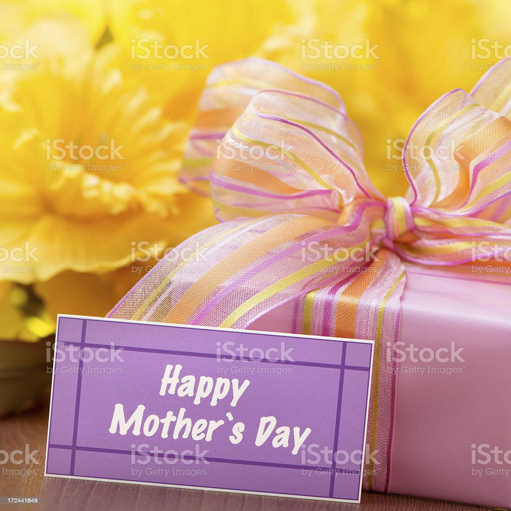 Present box on pink with mothers day card royalty-free stock photo