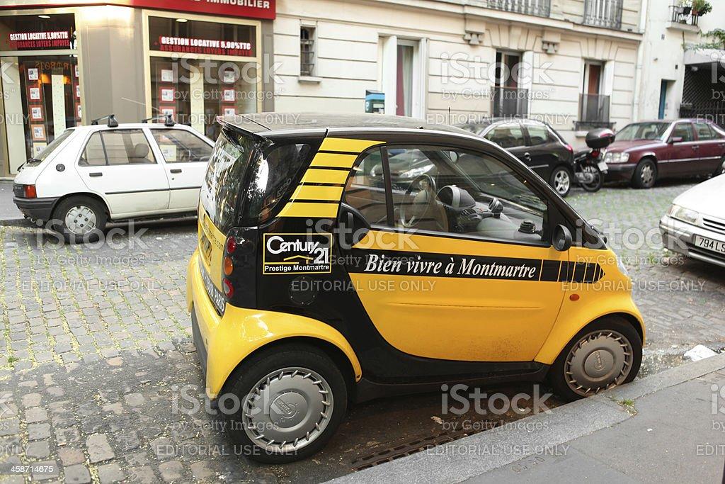Prestige Montmartre Century 21 Smart car stock photo