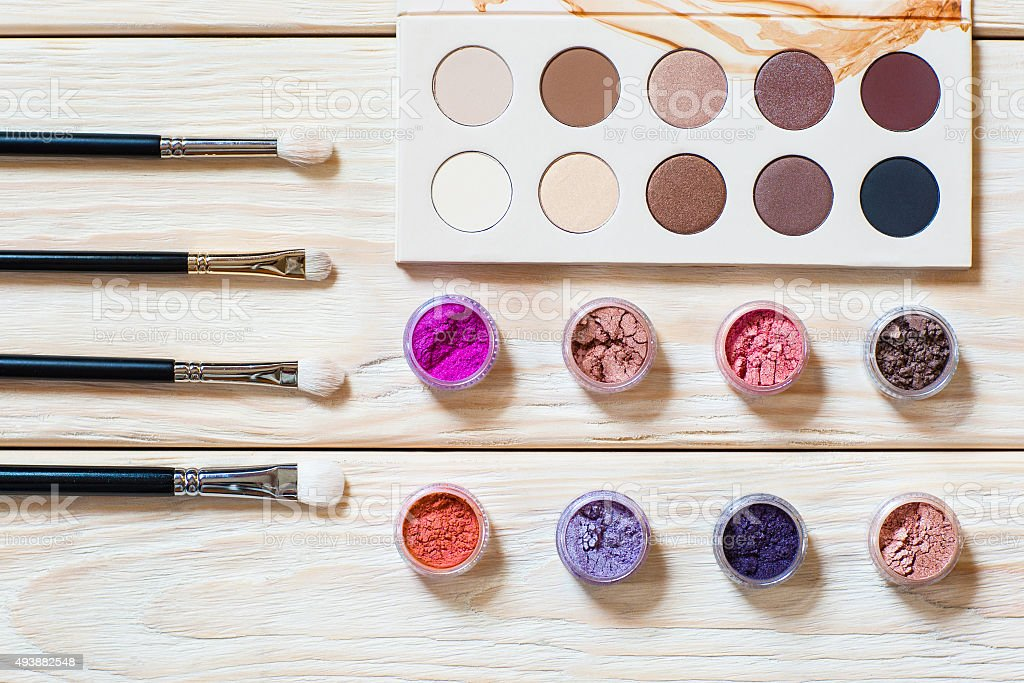 professional brushes, piments and eyeshadow palette stock photo