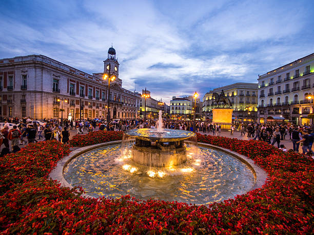 Puerta del sol pictures images and stock photos istock for Gran via puerta del sol madrid