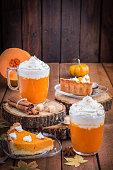 Pumkin Pie and Pumpkin Smoothie With Cream