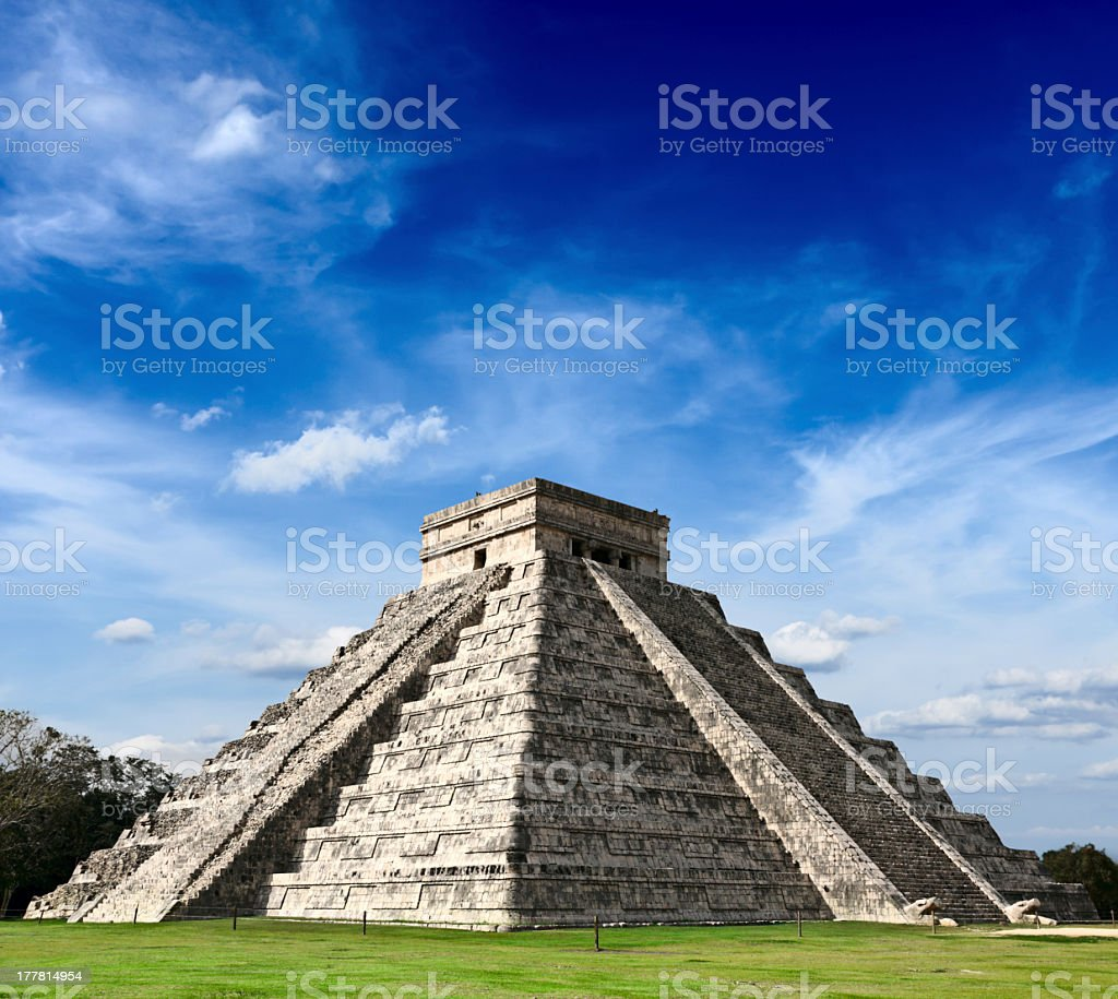 Pyramid of Kukulcan at the Mayan site Chichen Itza, Mexico stock photo