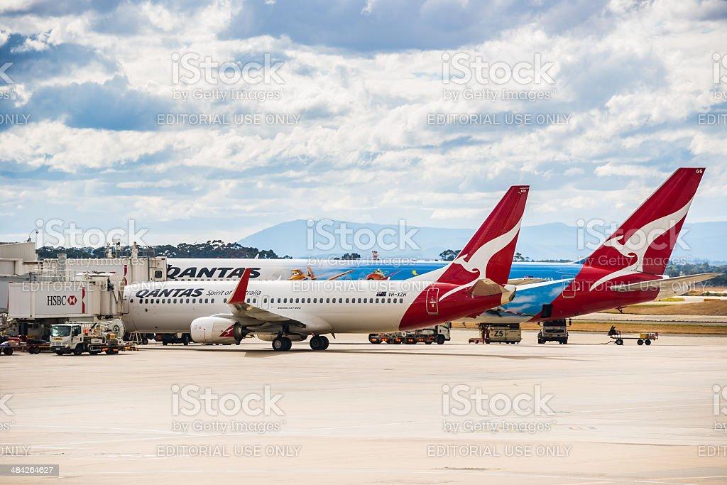 Qantas avião no Aeroporto de Melbourne foto royalty-free