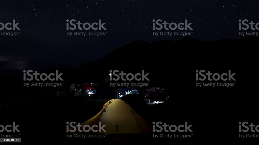 Tranquilla notte in campo foto stock royalty-free