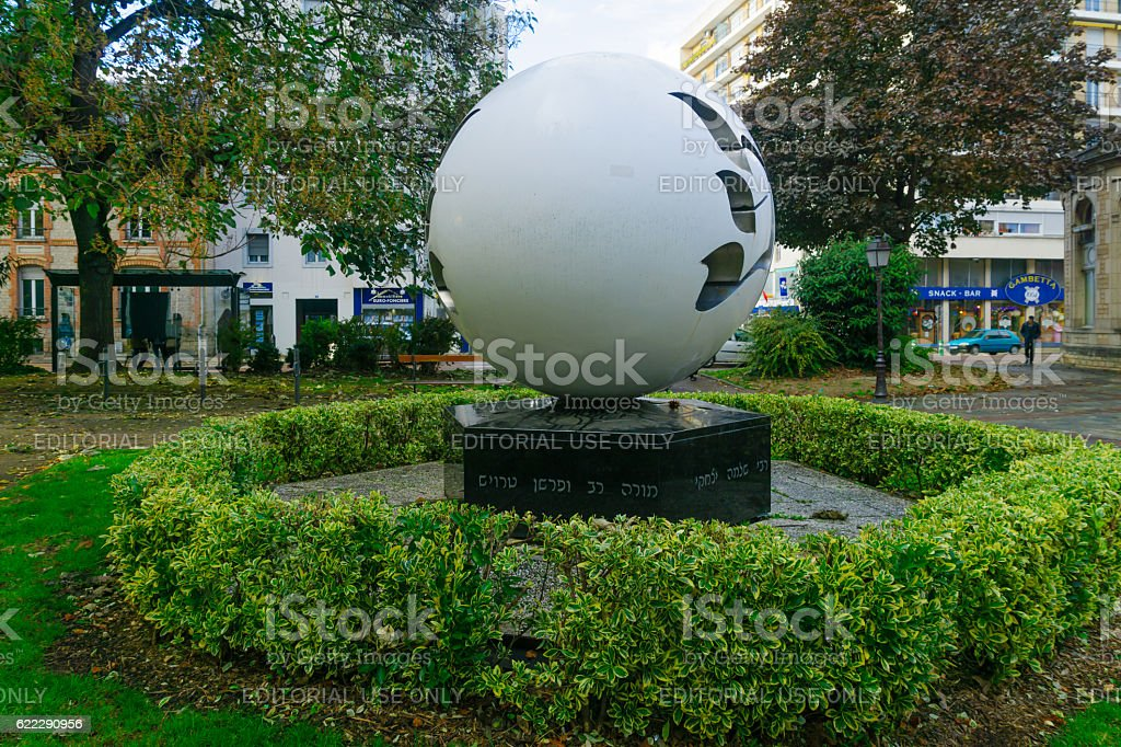 Rachi Memorial with locals, in Troyes stock photo