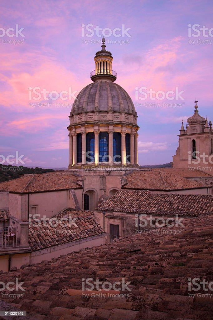 Ragusa Ibla, Sicily: Duomo di San Giorgio, Sunset, Purple Sky stock photo