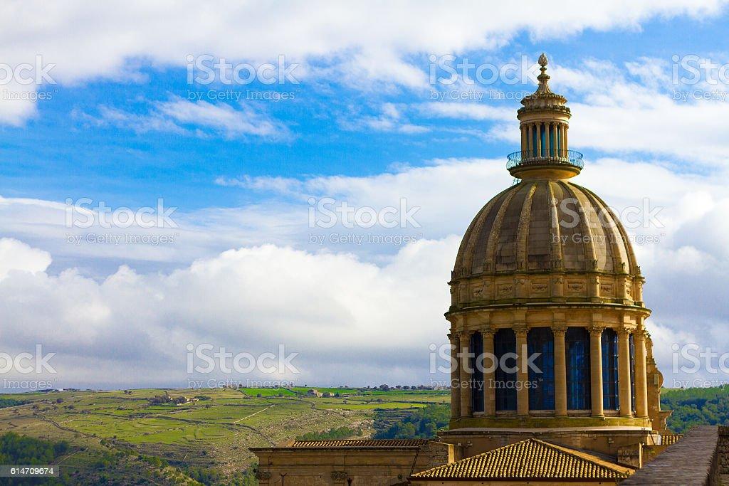 Ragusa Ibla, Sicily: Duomo San Giorgio, Green Hills Panorama stock photo