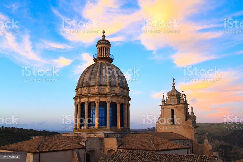 Ragusa Ibla, Sicily: Panorama, San Giorgio Cathedral, Dramatic Sky stock photo