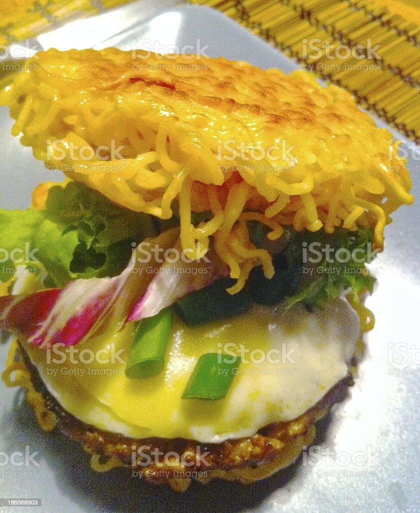 Ramen Burger, Nudeln, Hamburger, Cheeseburger stock photo