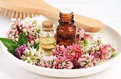 Red clover extract and aroma essenial oil