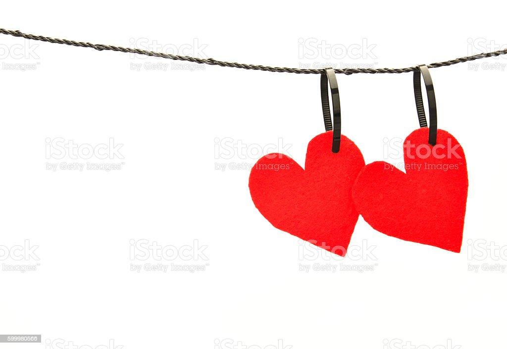 Red felt hearts hanging side by side foto de stock libre de derechos