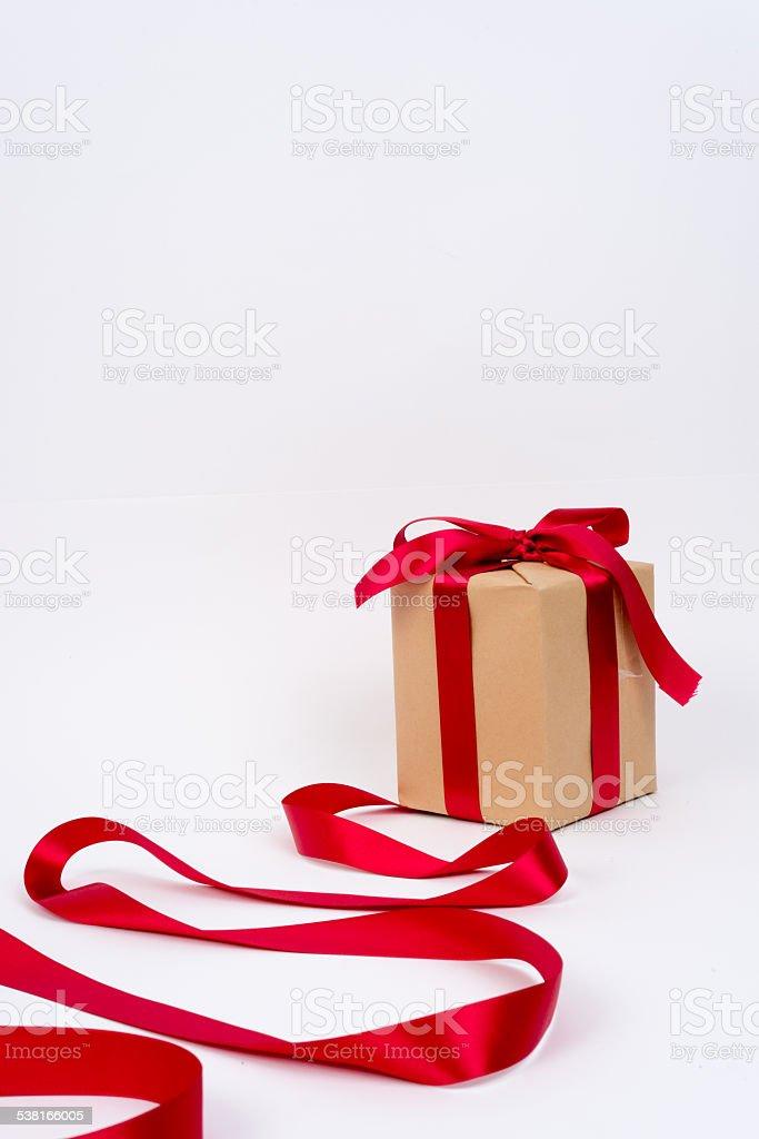 Czerwona wstążka, pudełko na prezent zbiór zdjęć royalty-free